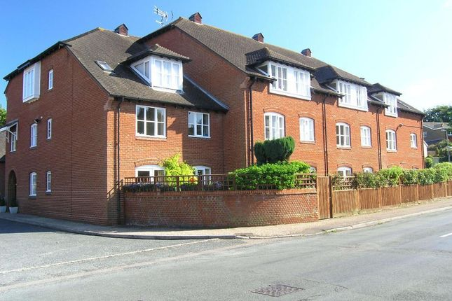 Thumbnail Flat to rent in Primrose Court, Steyning, West Sussex