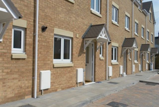 Thumbnail Town house to rent in Cwrt Pen Y Bryn, Cardiff