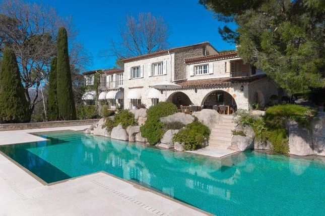 Thumbnail Villa for sale in Mougins, Mougins, Provence-Alpes-Côte D'azur, France