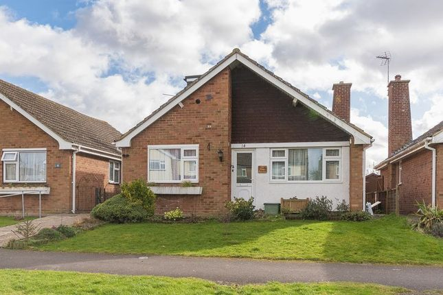 Thumbnail Detached bungalow for sale in Vale Avenue, Grove, Wantage