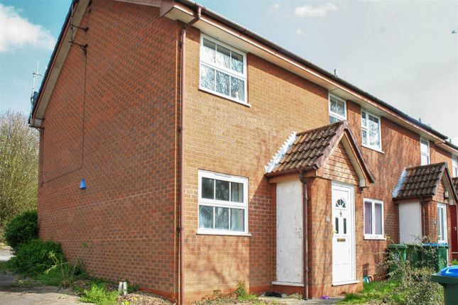 Thumbnail Flat to rent in Dalesford Road, Aylesbury