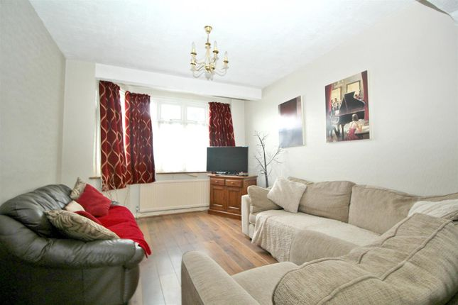 Thumbnail Property for sale in Eastbury Avenue, Enfield