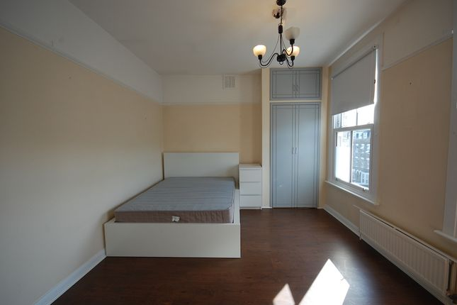 Thumbnail Duplex to rent in Fonthill Road, London