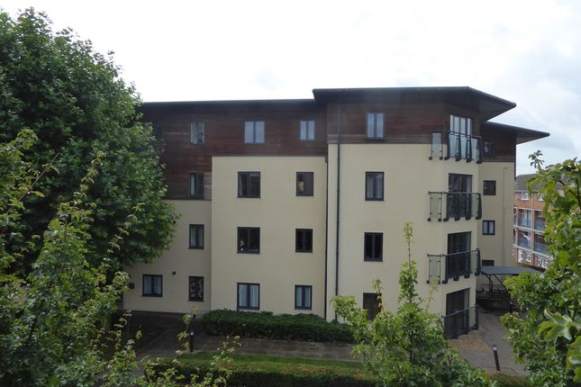 Thumbnail Flat to rent in Queensway Place, Yeovil
