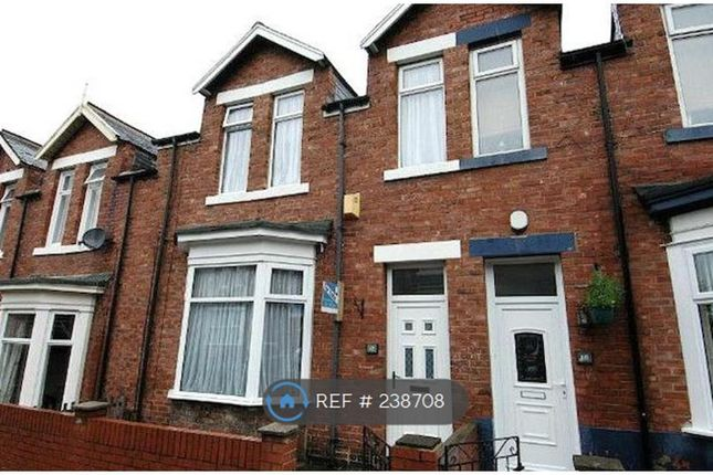 5 bed terraced house to rent in Fox Street, Sunderland