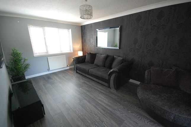 Thumbnail Flat to rent in 7 Cairnton Court, Westhill, Aberdeenshire