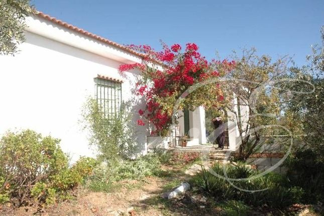 2 bed villa for sale in Riogordo, Axarquia, Andalusia, Spain