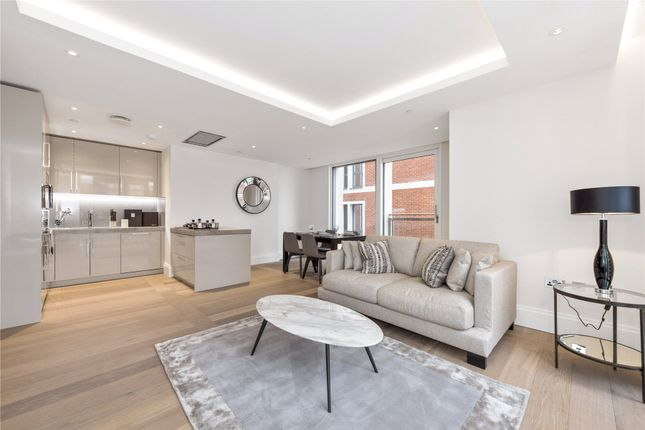 Thumbnail Flat to rent in Savoy House, 190 Strand, London