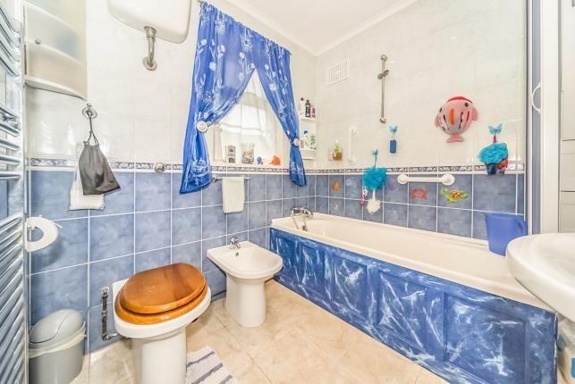 Bathroom of Kennedy Road, Bedford, Bedfordshire, . MK42