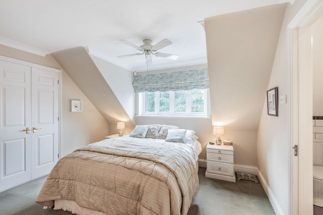 Bedroom of St. Nicholas Crescent, Pyrford, Woking GU22