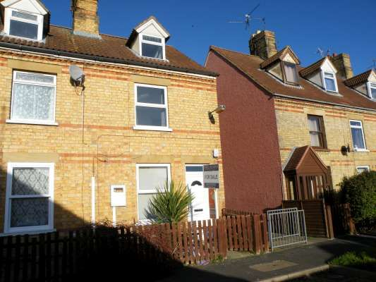 Thumbnail End terrace house to rent in Wood View, Bourne