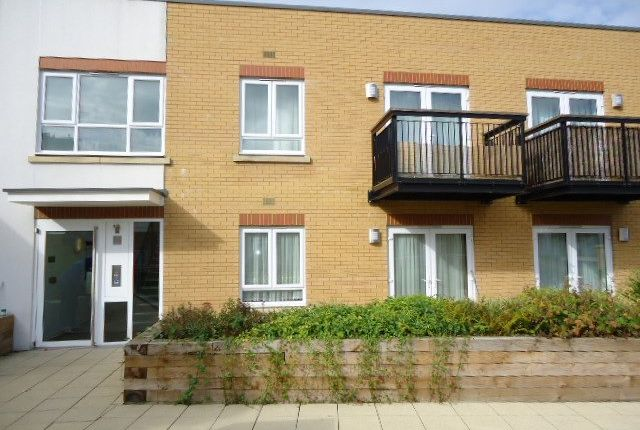 Thumbnail Flat to rent in Featherstone Road, Southall