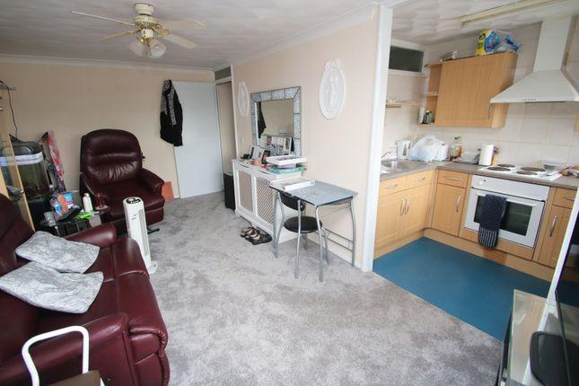 Thumbnail Flat for sale in Norwich House, Ashingdon Road, Rochford