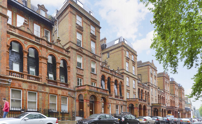 Thumbnail Flat for sale in Courtfield Road, London
