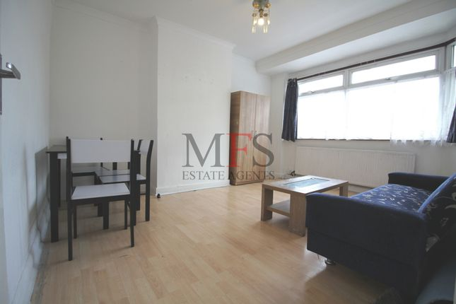 Thumbnail Flat to rent in Johnson Street, Southall