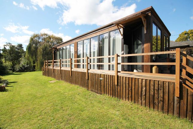 Thumbnail Property for sale in Wey Meadows, Weybridge
