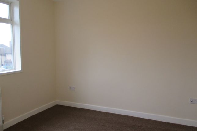 Bedroom 1 of Arrowsmith Path, Hainault IG7