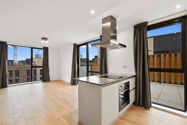 Thumbnail Property to rent in Leyton Road, London