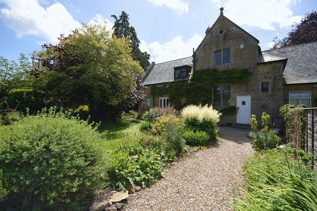Thumbnail Cottage to rent in Moorlands Road, Merriott