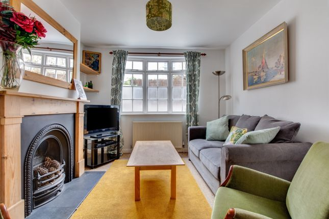 Thumbnail Cottage to rent in Crown Gardens, Brighton