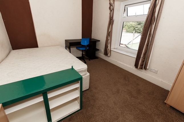 Thumbnail Shared accommodation to rent in Broadway, Treforest, Pontypridd