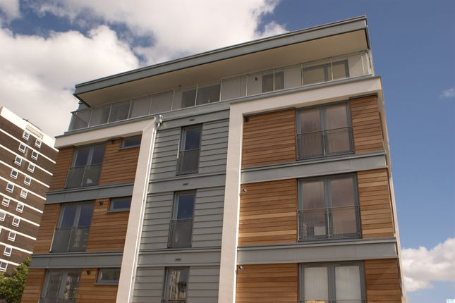 Thumbnail 1 bed flat to rent in Branch Place, Islington
