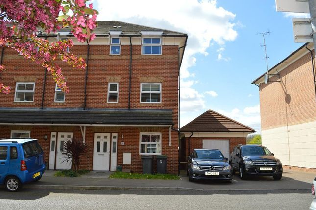 Thumbnail Terraced house to rent in Gilson Place, Muswell Hill, Barnet, London