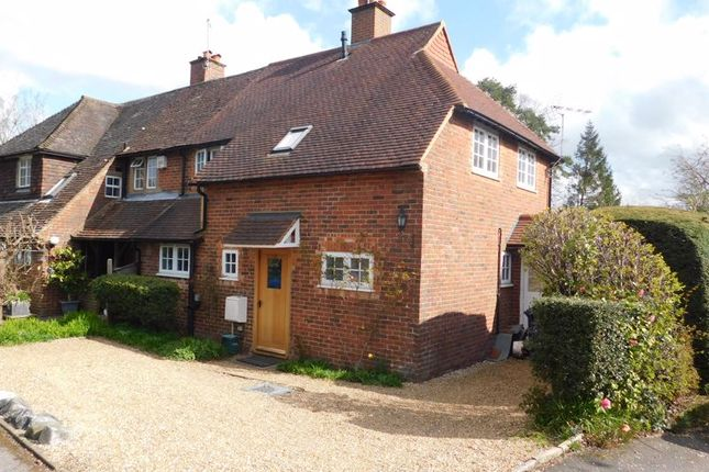 Thumbnail Semi-detached house to rent in Half Moon Hill, Haslemere