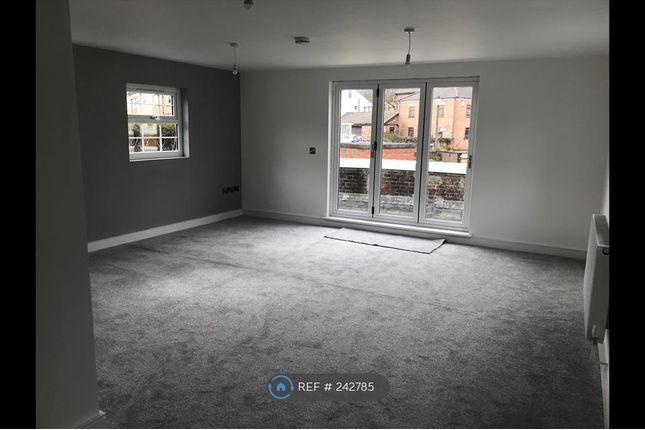 Thumbnail Flat to rent in Vista Court, Bebington, Wirral