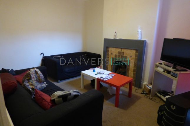 3 bed terraced house to rent in Cambridge Street, Leicester