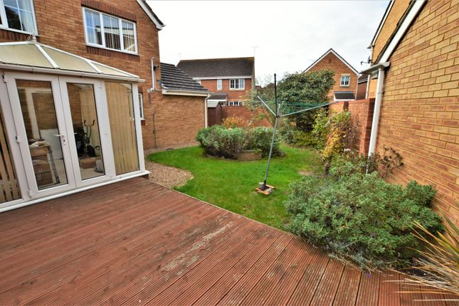 Thumbnail Detached house to rent in Blunden Drive, Slough, Berkshire