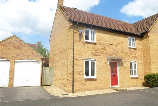 Thumbnail Property to rent in Biddlesden Road, Yeovil
