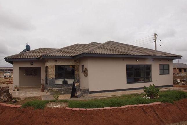 Thumbnail Detached house for sale in Kambuzuma Rd, Harare, Zimbabwe