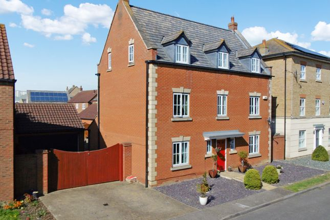Thumbnail Detached house for sale in Woodpecker Way, Sandy