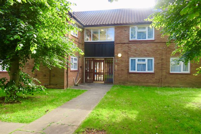Thumbnail Flat for sale in Drayton Road, Luton
