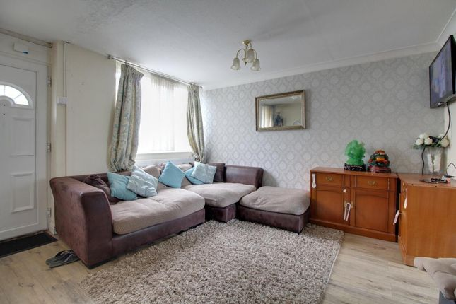 Room 2 of Reeves Road, Aldershot, Hampshire GU12