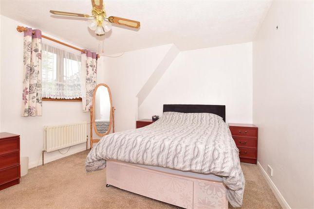 Bedroom 1 of Redbrook Street, Woodchurch, Ashford, Kent TN26