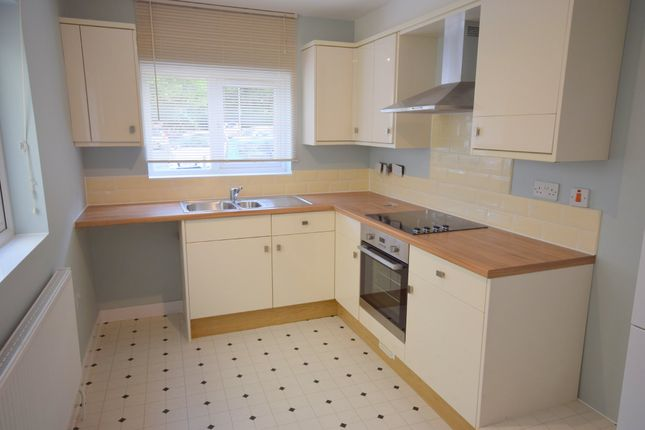 Thumbnail Flat to rent in Russell Street, Exeter