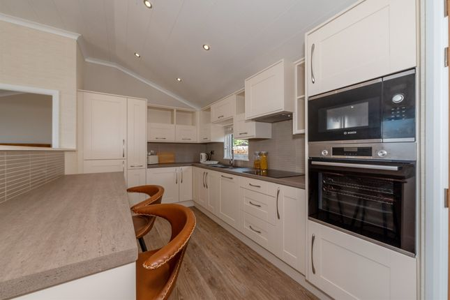 Thumbnail Mobile/park home for sale in The Beach, Clevedon