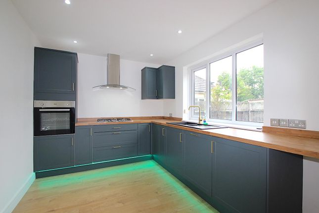 Thumbnail Detached house for sale in Wanlip Road, Syston, Leicester