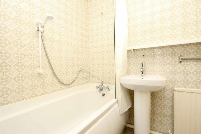 Bathroom of Lambourne Court, Uxbridge UB8