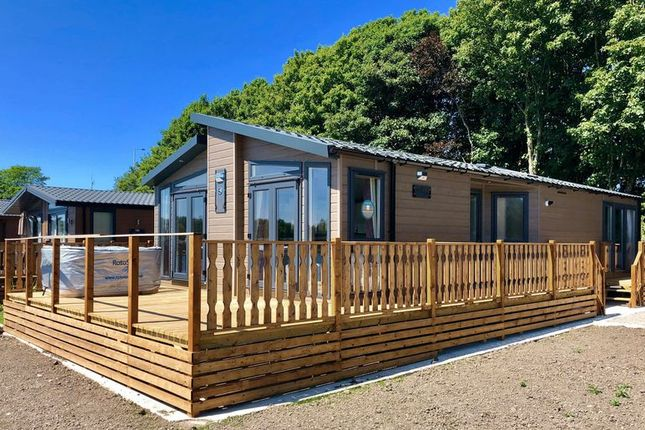 Thumbnail Mobile/park home for sale in South Lakeland Leisure Village, Borwick Lane, Carnforth
