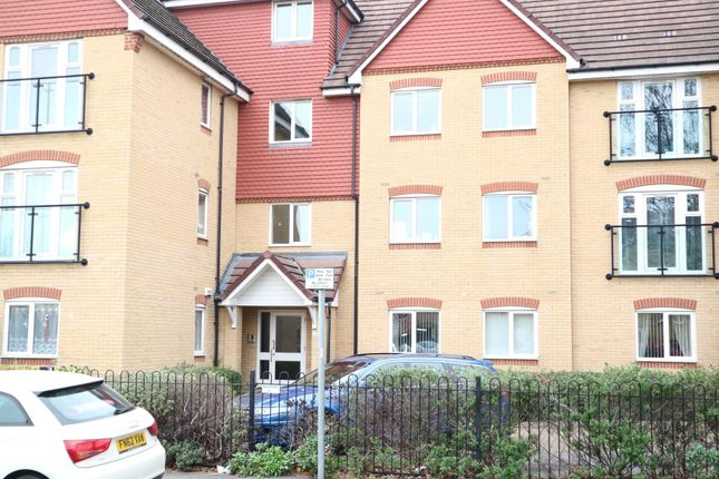 Thumbnail Flat to rent in Charlcot Mews, Bower Way, Slough