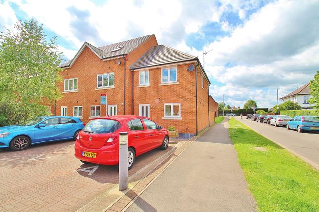Thumbnail Town house for sale in Marsden Avenue, Queniborough, Leicestershire