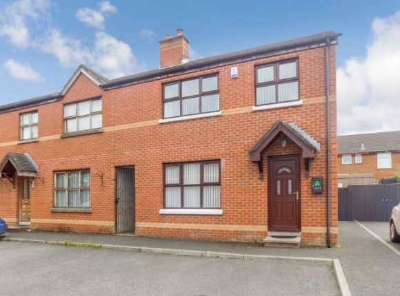 Thumbnail Town house to rent in Summerhill Grange, Dunmurry, Belfast