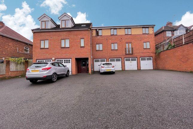Thumbnail Flat to rent in New Birmingham Road, Tividale, Oldbury