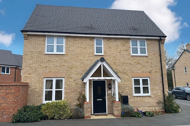3 bed detached house for sale in Swift Gardens, Southam CV47