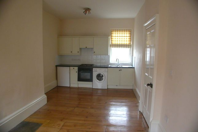 Thumbnail Flat to rent in 28, Market Place, Brigg, North Lincolnshire
