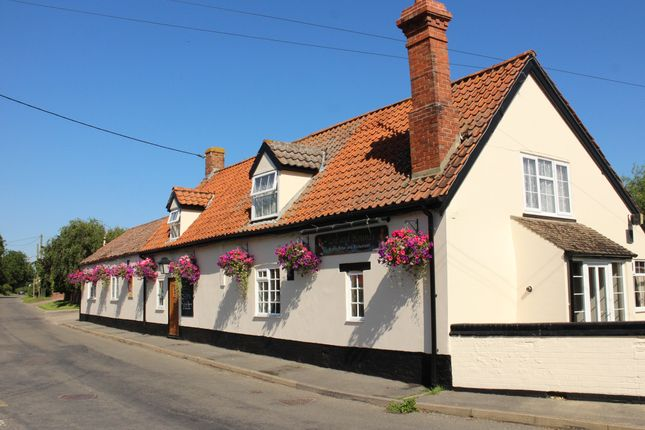 Thumbnail Pub/bar for sale in West Road, Haconby