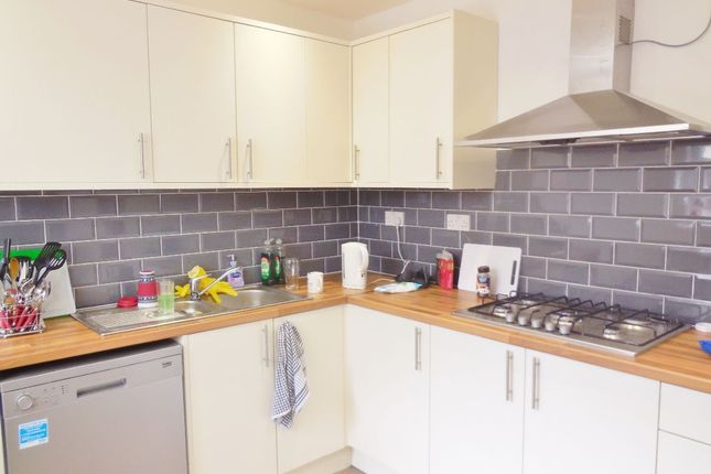 Thumbnail Shared accommodation to rent in Ferry Road, Grangetown, Cardiff